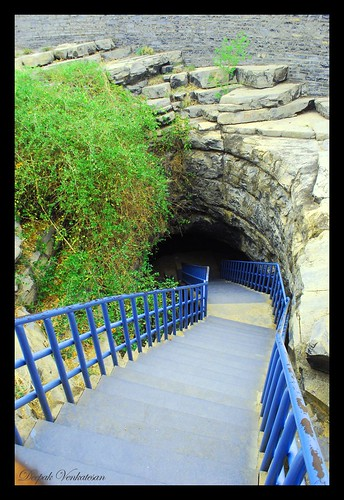 The entrance to Belum Caves