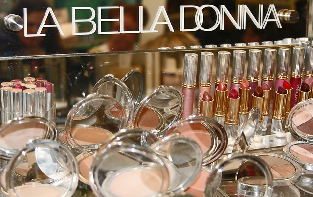 La Bella Donna make up line