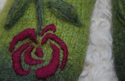 Fuzzy-Rosy Feet / detail