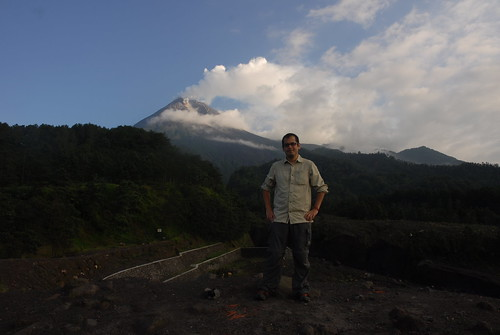 En Route: Making Our Way Up Mount Merapi