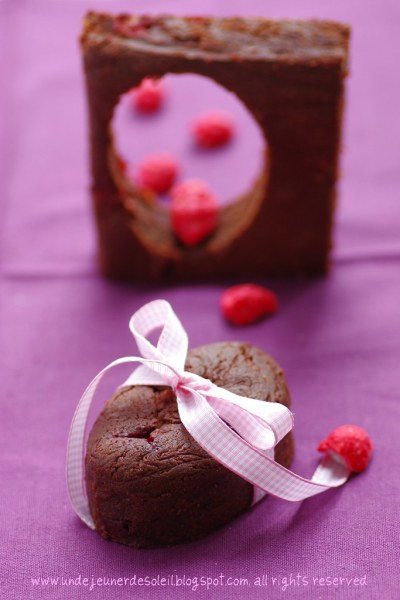 Brownie au yaourt et pralines roses