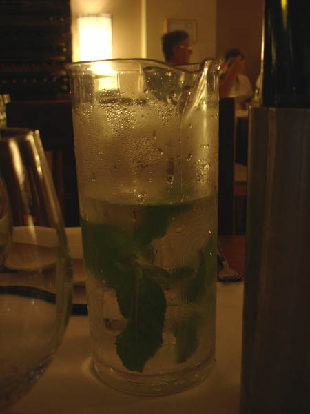 La Mint - tap water with mint and ice