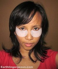 me using the elianto Eye Zone Treatment Patch