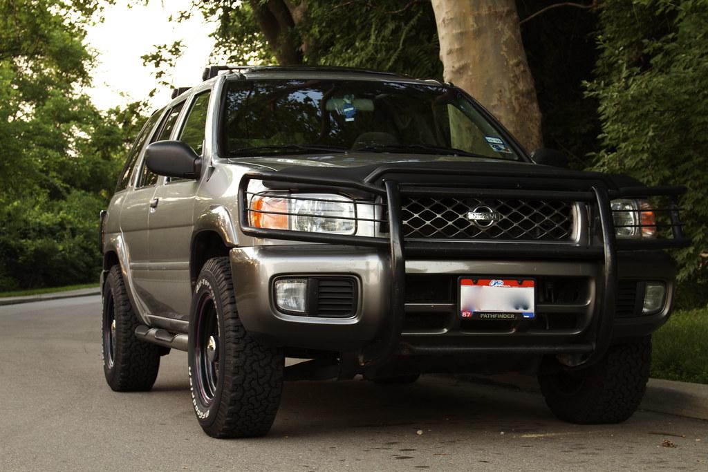 2001 Nissan Pathfinder SE 4x4 5Spd