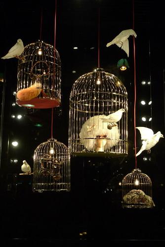 Cages De Luxe Chez Louis Vuitton Le Journal Des Vitrines