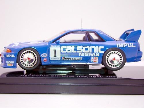 EBBRO CALSONIC SKYLINE R32 JGTC 1994 (2)