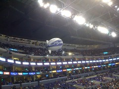 An @LAKingsHockey blimp flyby