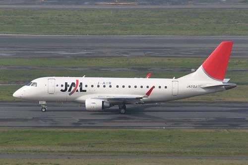 JAL Embraer170(JA212J)