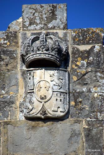 Escudo de armas situado en el Portal de Francia