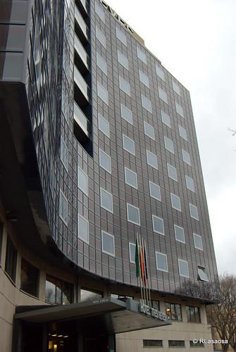 Fachada del Hotel Tres Reyes a la Avenida Navas de Tolosa