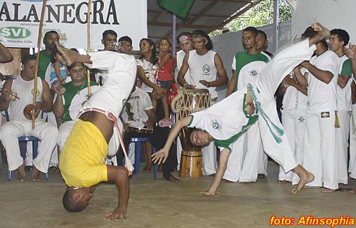 Capoeira Senzala Negra 30 por você.