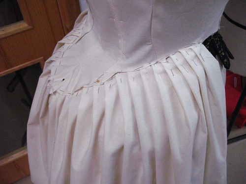 robe à l'anglaise - pleating