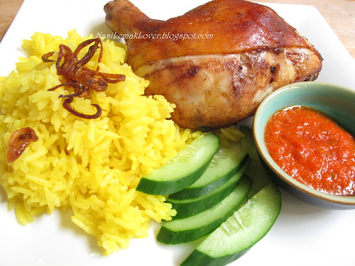 Roasted five spices chicken and Turmeric rice by NasiLemakLover02.