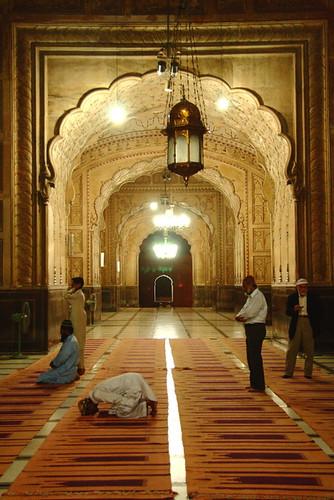 Badshahi Mosque, Lahore, Pakistan. by Amir Mukhtar Mughal