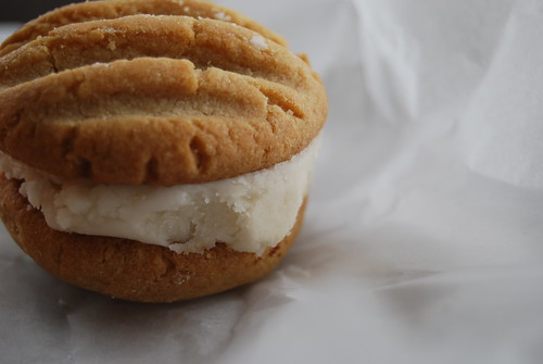 Caramel creme cookie