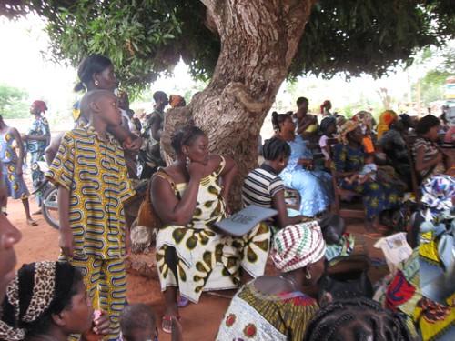 Rapt audience members in Zagnanado