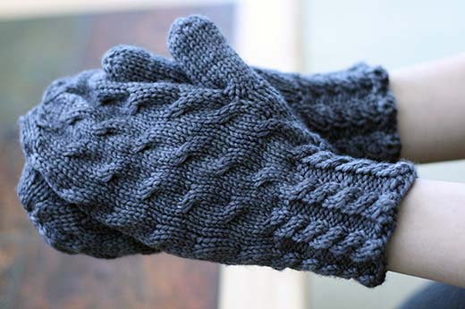 Very Cabley Mittens
