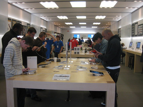 iPad @ Apple Store