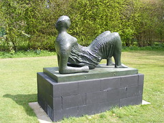 Henry Moore Foundation 16 April 2010 051