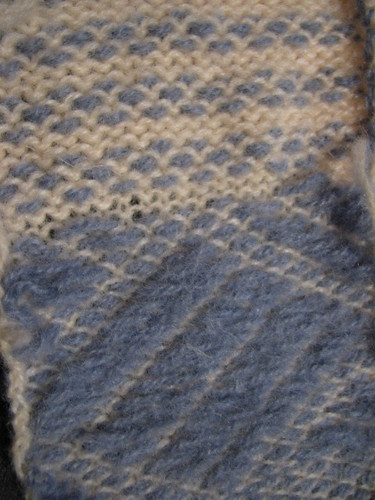After felting knit-weave Double blue, single white