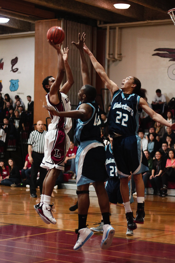 Basketball against Wallenburg (4 of 6)