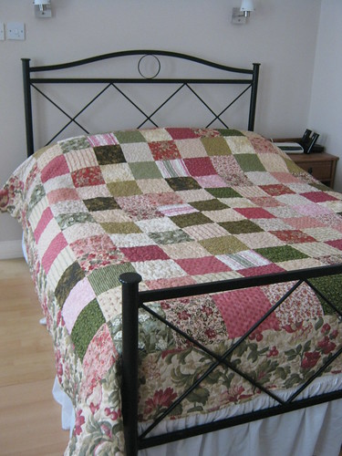 Guest Room quilt finished!