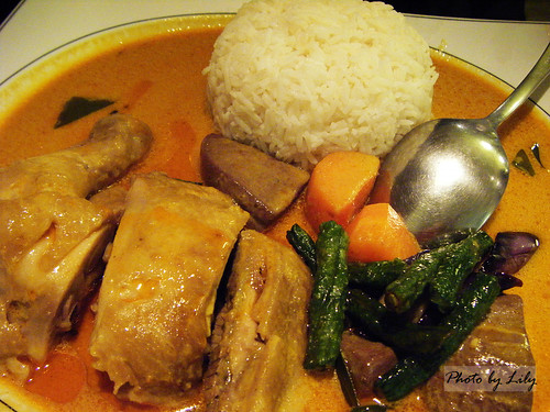 馬來西亞咖哩雞飯。