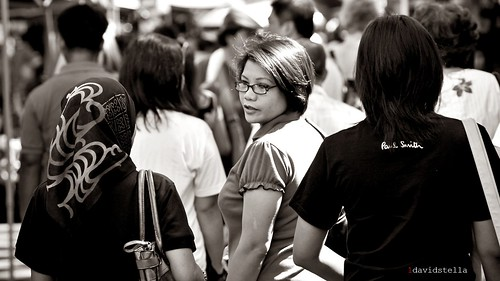 sunday market shoppers, Gaya Street, Kota Kinabalu, Sabah.