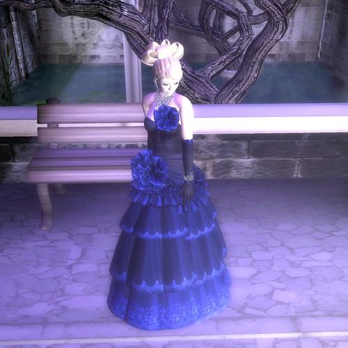Flora - Blue Dahlia II