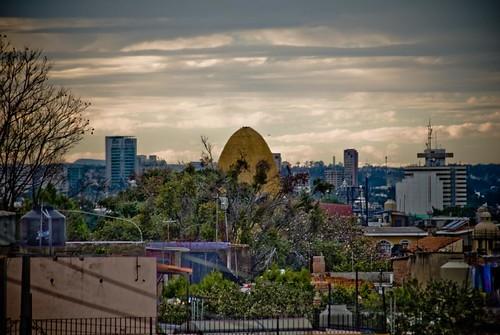 Cupula templo La Divina Providencia y Palacio Federal
