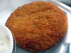 capt shrimp - crab cake close up by foodiebuddha
