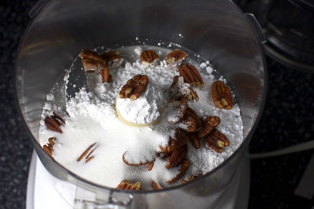 pecans, powdered + granulated sugar