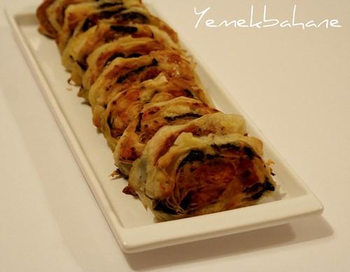 Ispanaklı havuçlu patatesli börek