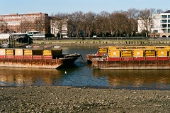 Vauxhall cargo barges