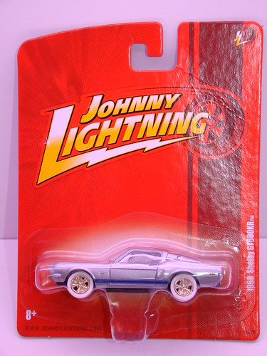 Johnny Lightning 1968 Shelby GT500KR white lightning (1)