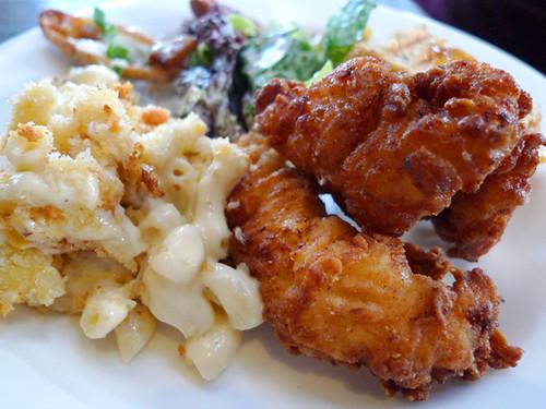 Akasha's Mac N Cheese, Fried Chicken