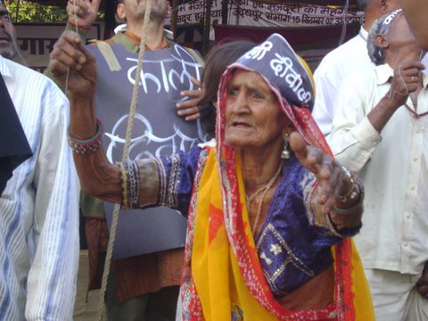 Pics from the satyagraha - 5 Nov 2010 - 18