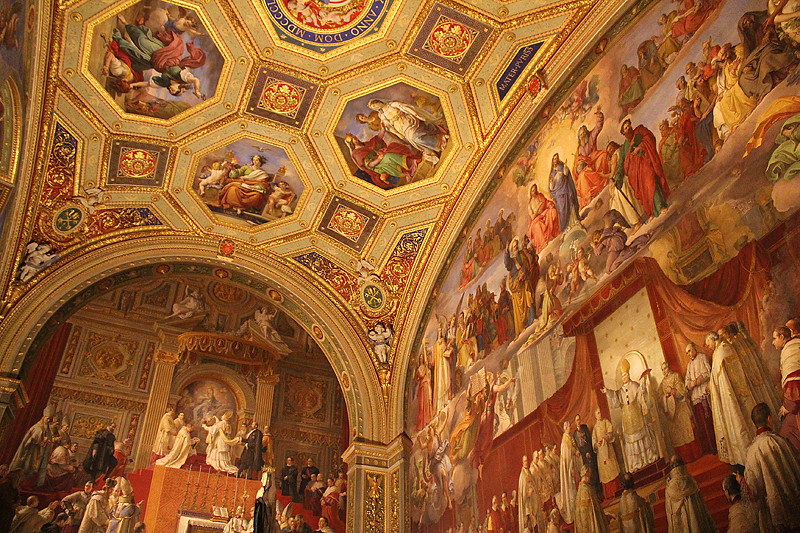 Wall and ceiling fresco paintings - the Vatican Museum