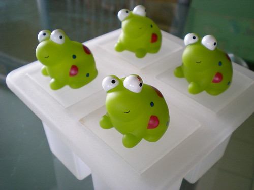 Frogs ice lollies mould 1