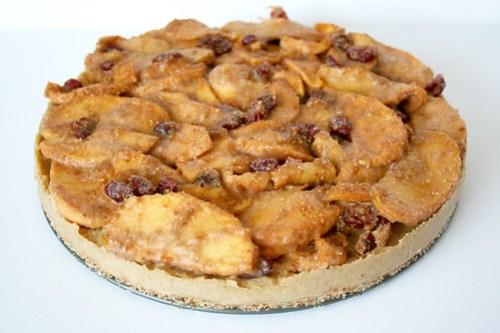 raw apple tart