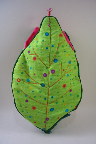 Leaf flowerbed and doll carrier: back