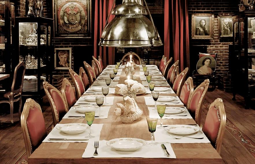 mesa comprida de jantar