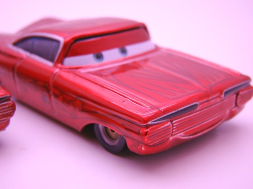 Disney CARS ransburg and regular hydraulic ramone comparison (8)