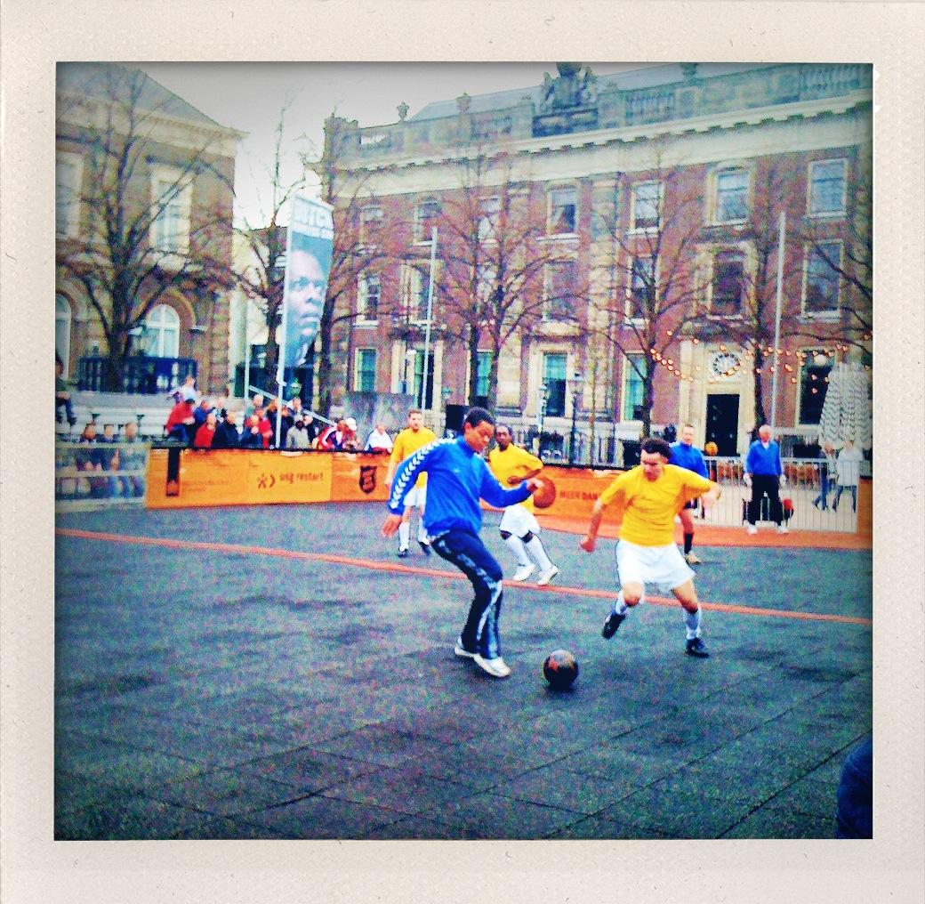 Fútbol callejero para paersonas sin techo