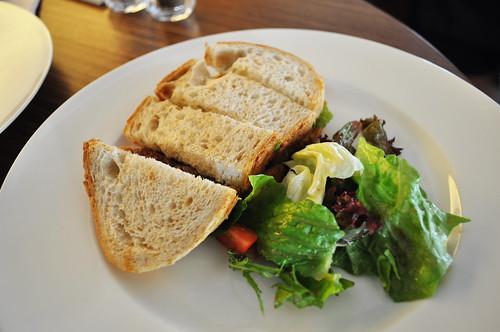 早餐也有單點菜單,可吃現做的美味三明治