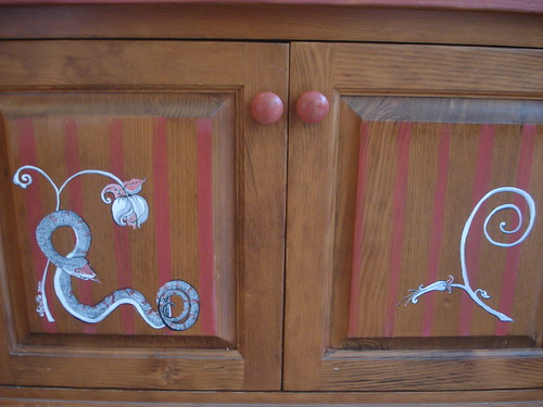 Swankety Swank Showcase: Snake Cabinet  (front)