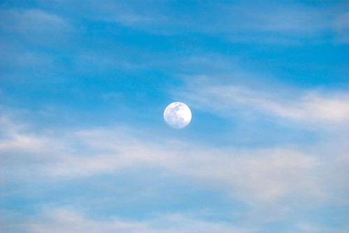 Luna despertando temprano