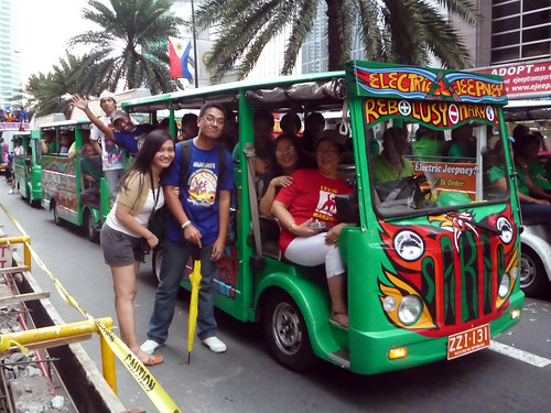 Makati Grand Parade 2010 073