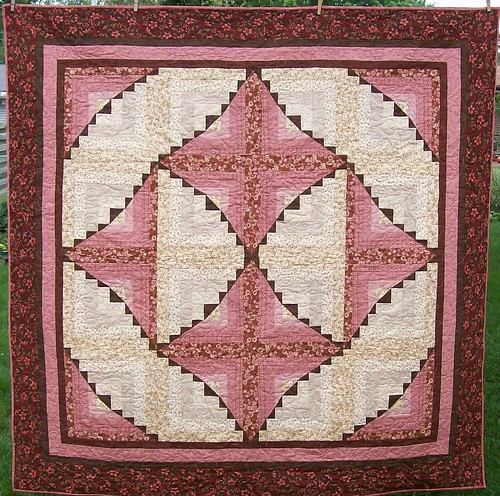 Neapolitan Log Cabin variation by Sandi Walton at Piecemeal Quilts