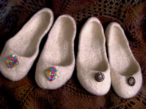 French Press Slippers #2 Right Pair Sz 6 to 7